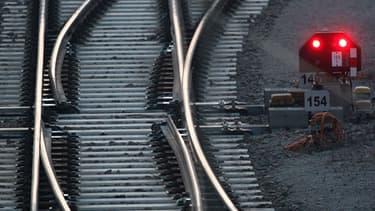 Jean-Marc Ayrault s'est dit favorable a un report de la construction de ligne à grande vitesse.
