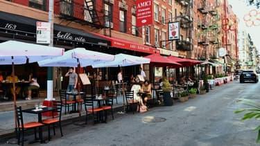 Les terrasses de restaurants ont fleuri sur les trottoirs new-yorkais, comme ici dans le quartier de Little Italy, le 24 juin 2020