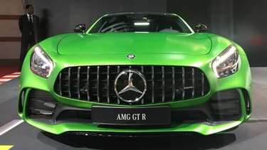Mercedes a lancé l'AMG GT R avec cette peinture verte comme signe distinctif/