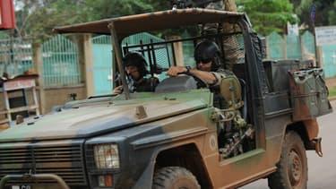 La France s'est fixée comme premier objectif le désarmement des factions armées