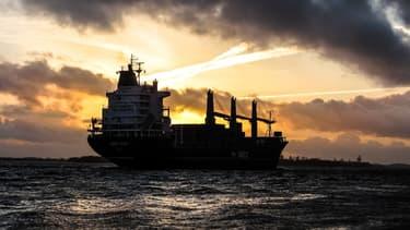 Les Emirats ont appelé la communauté internationale à « coopérer pour sécuriser la navigation internationale »