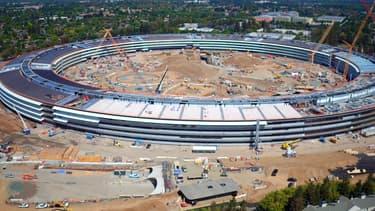 Le nouveau siège d'Apple devait être livré en 2015. Finalement, il ne sera pas prêt avant le printemps 2017.