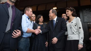 """Anne Hidalgo et Ban Ki-Moon à """"La bonne bière"""", le 6 décembre 2015"""