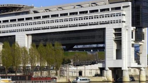 Bonne nouvelle pour les finances publiques : avec la baisse des taux d'emprunt de la France, la charge de la dette s'amoindrit