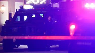 Des policiers à Orange, en Californie, le 31 mars 2021.