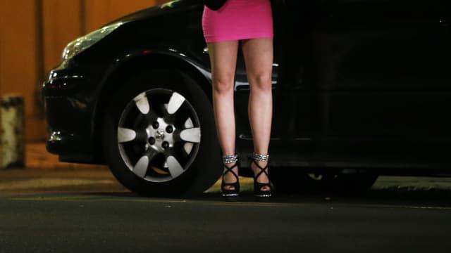 Les clients de prostituées encourent une contravention de 5e classe pouvant aller jusqu'à 1500 euros.