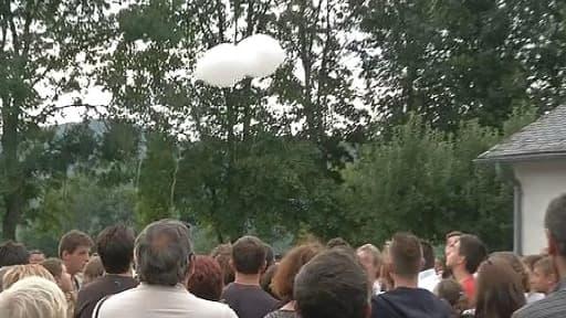 Dimanche matin, une marche silencieuse à Rouans en Loire-Atlantique, a eu lieu en hommage à la famille Ouedraogo, dont sept membres sont morts dans le crash de l'avion d'Air Algérie le 24 juillet au Mali.