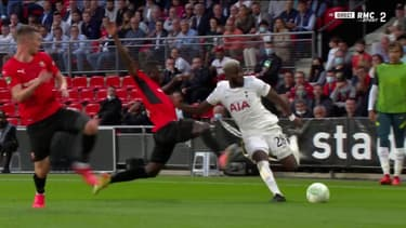 Tanguy Ndombele (Tottenham) face à Hamari Traoré, à Rennes le 16 septembre 2021