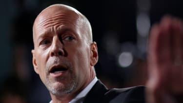 L'épouse de Bruce Willis a démenti que l'acteur souhaitait agir contre Apple devant les tribunaux .
