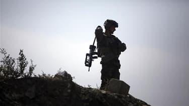 Un soldat français a été tué et quatre autres ont été blessés mercredi dans une explosion en Afghanistan, dans le sud de la province de Kapisa. Il s'agit du 58e militaire français tué en Afghanistan depuis le début de l'intervention alliée en 2001. /Photo