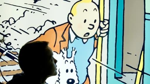 Une vignette lumineuse de Tintin exposée à la boutique du musée Hergé de Louvain-La-Neuve en Belgique