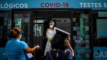 """Cette """"interdiction de circuler sur la voie publique"""" s'appliquera dans les 121 communes où vivent environ 70% des Portugais"""