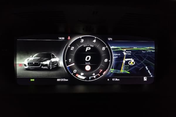 Côté consommation, le V8 pèse sur la facture avec une moyenne de 11 litres aux 100 kilomètres.