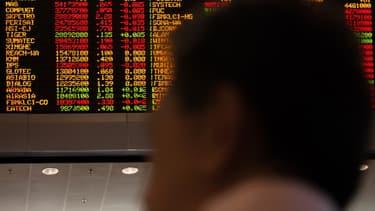 """Trois sociétés sont accusées """"d'activités boursières illégales""""."""