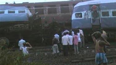Des rebelles maoïstes sont soupçonnés d'avoir provoqué la mort d'au moins 65 personnes dans l'est de l'Inde en sabotant un train à grande vitesse, qui a été percuté par un train de marchandises venant en sens inverse. Le train de passagers venait de Bomba
