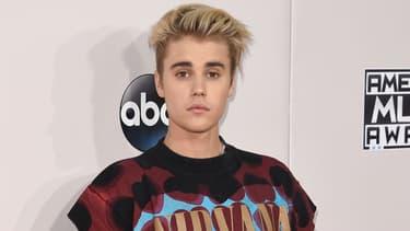 Justin Bieber lors des American Music Awards à Los Angeles le 22 novembre 2015