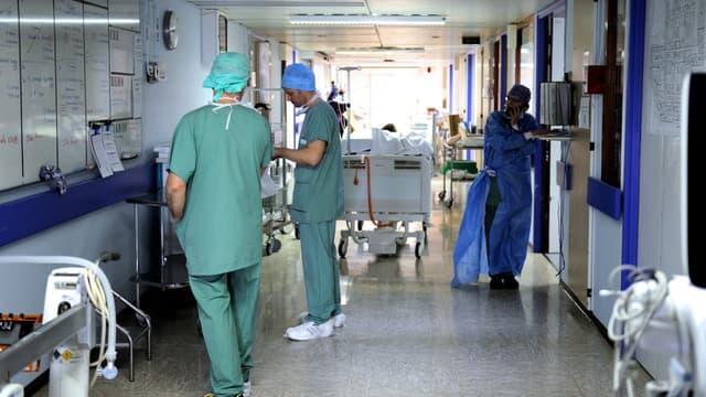 Des infirmiers à l'hôpital de Lille, le 2 avril 2013. (Photo d'illustration)