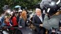 Une cinquantaine de journalistes a fait le pied de grue depuis l'aubre devant le 13 de la place des Vosges, dans le centre de Paris, guettant le retour de Dominique Strauss-Kahn dans son appartement parisien. L'ancien directeur général du Fonds monétaire