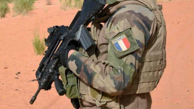 Un militaire français en exercice.