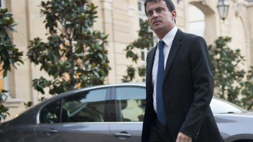 Dans un communiqué, Manuel Valls a « réaffirmé sa totale détermination à éradiquer cette violence qui porte la marque de l'extrême-droite ».
