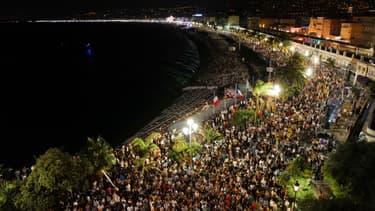 Des spectateurs assistent au concert de The Avener à Nice, le samedi 11 juillet 2020