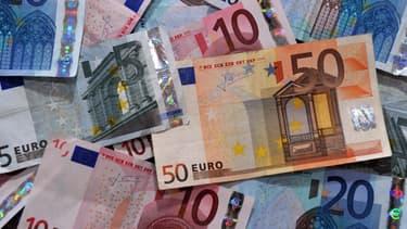 La corruption à l'ancienne, sous la forme d'enveloppes de billets, existe toujours.