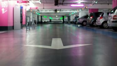 2600 places accessibles gratuitement dans 30 parkings aux portes de Paris, c'est le dispositif mis en place jusqu'à fin juillet.