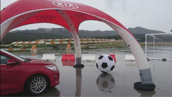 Sur cette Rio, Kia proposera également deux essence atmosphérique, 1.2 et 1.4 litres (84 et 100 chevaux), et un diesel avec le 1.4 litre CRDi de 90 chevaux.