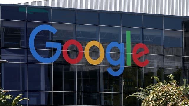 Google devient une filiale à 100% d'Alphabet, dirigée par ses co-fondateurs Larry Page and Sergey Brin.