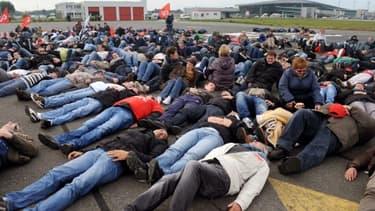 Des salariés bretons en colère ont bloqué l'aéroport de Brest, le 14 octobre dernier.