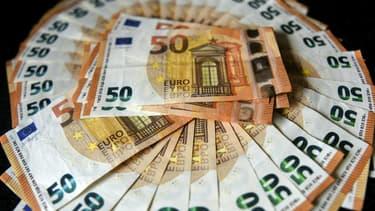 Les présidents socialistes de huit conseils départements défendent dans une tribune la mise en place du revenu universel en France. (image d'illustration)