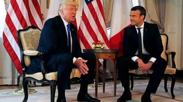 Donald Trump et Emmanuel Macron lors de leur rencontre en marge du sommet de l'OTAN, à Bruxelles, le 25 mai.