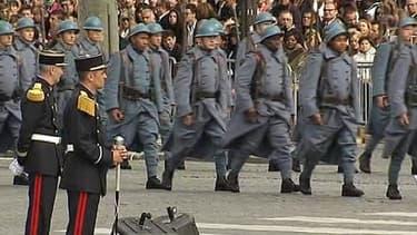 Défilé de Poilus sur les Champs Elysées