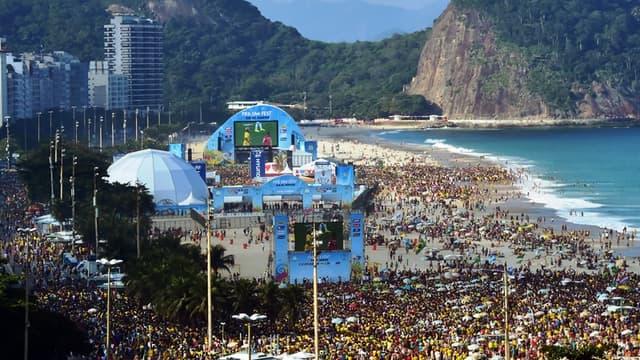La plage de Copacabana, pendant Brésil-Chili