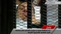 Des images diffusées par la télévision d'Etat montrent l'ancien président égyptien Hosni Moubarak sur une civière dans la cage des accusés à l'école de police du Caire au premier jour de son procès. Âgé de 83 ans, il est notamment poursuivi pour homicides