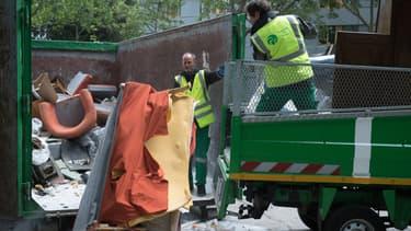 Les agents du service de la Propreté de Paris assureront dès le 25 mai la collecte des encombrants, sur rendez-vous