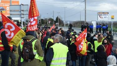 Des gilets jaunes et manifestants CGT ont manifesté à Toulouse le 17 janvier