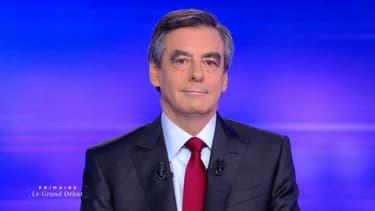 François Fillon lors du débat de l'entre-deux tours de la primaire à droite face à Alain Juppé, le 24 novembre 2016.