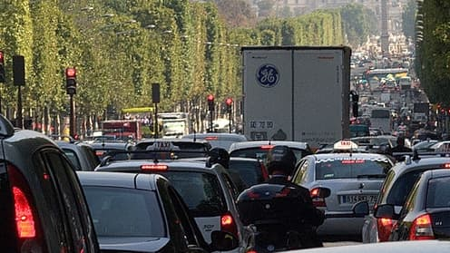 Les sociétés de transport vont bénéficier d'un sursis avant l'entrée en vigueur de la taxe poids lourds.