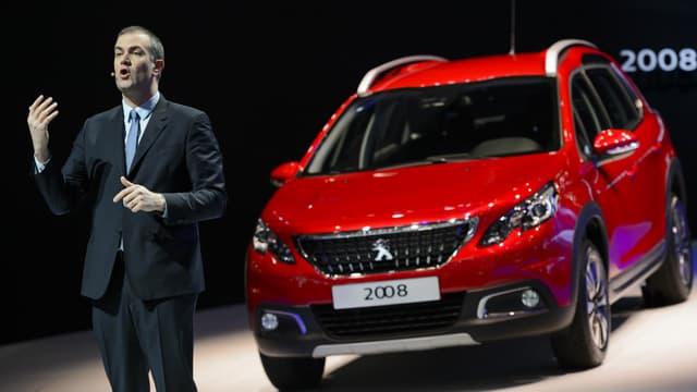 Peugeot propose pour la première fois de commercialiser en même temps qu'un véhicule (le nouveau 2008) un smartphone.