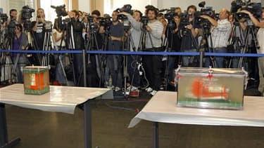 Les boîtes noires du vol AF447 Rio-Paris, qui s'est abîmé en juin 2009 avec 228 personnes à bord. Le Bureau enquêtes et analyses publie vendredi une première note sur l'examen du contenu des boîtes, qui devrait permettre d'y voir un peu plus clair sans po