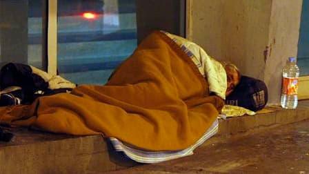 Les centres d'hébergement en France ont reçu lundi un rappel de leur obligation d'accueillir tous les sans-abri, même s'ils n'ont pas de papiers en règle. Selon le quotidien Libération, des consignes ont été passées pour refuser les étrangers en situation