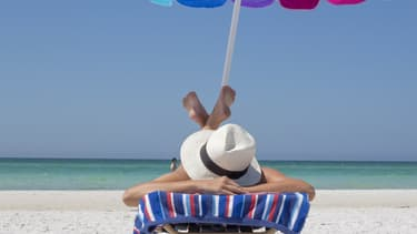Une journée à la plage, un plaisir simple dont le prix varie considérablement en fonction de la destination choisie.