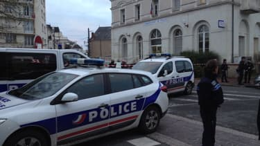 Un homme a été abattu après avoir agressé trois policiers à Joué-lès-Tours.