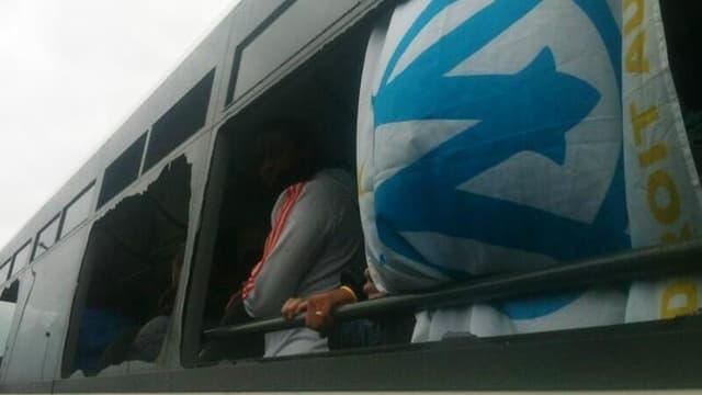 Un bus des South Winners, des supporters de l'OM, après les affrontements avec les supporters de l'OL