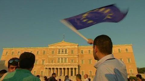 """Athènes: les partisans du """"oui"""" au référendum se remobilisent"""