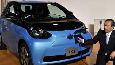 Toyota ne compte plus qu'écouler une centaine d'exemplaires de sa petite citadine électrique iQ.