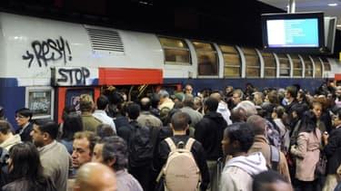 Il y a urgence à offrir une alternative au RER B, saturé et à la régularité aléatoire, pour rejoindre l'aéroport parisien de Roissy.