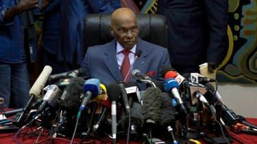 Selon les résultats officiels, le président sénégalais sortant Abdoulaye Wade a obtenu 34,8% des voix au premier tour de l'élection présidentielle tenue dimanche. Il sera opposé au second tour à son ancien allié et ancien Premier ministre Macky Sall, qui