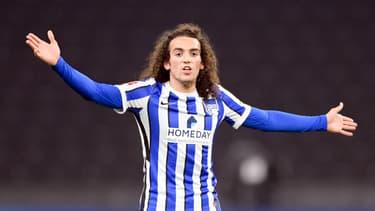 Mattéo Guendouzi en train de contester lors d'un match du Hertha Berlin